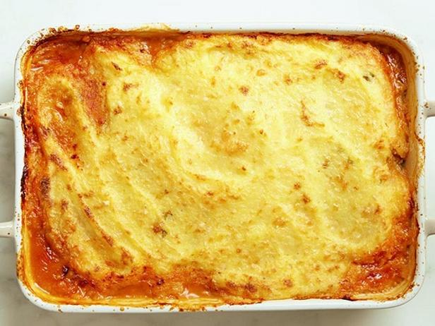 Кассероль с начинкой из острого чили под кукурузной корочкой