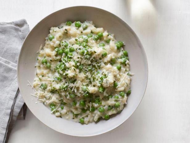 Фото Пасхальный ужин из ризотто с зелёным горошком