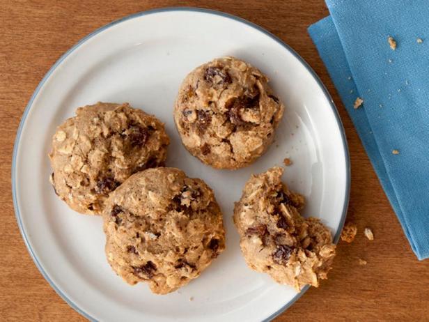 Фото Мягкое овсяное печенье с изюмом