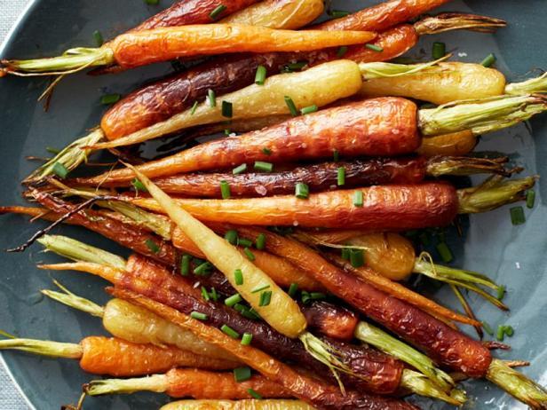 Фото Печёная радужная морковь