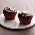 Капкейки «Пища дьявола» в шоколадной глазури