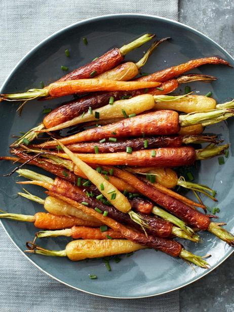 Печёная радужная морковь