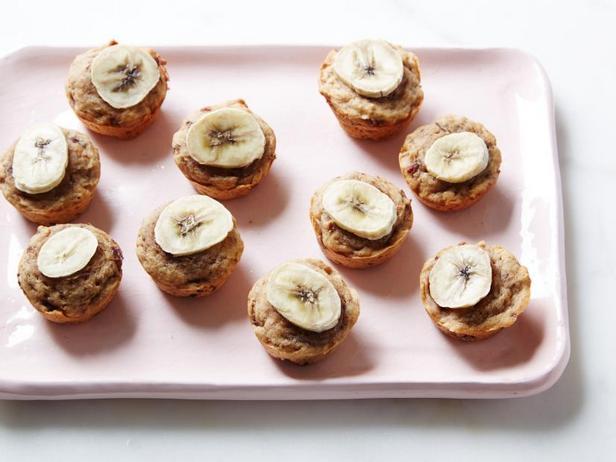 Фото Полезные маффины с финиками и бананами