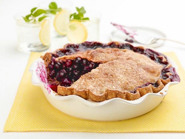 Фото Чернично-лимонный пирог на слоистом масляном корже