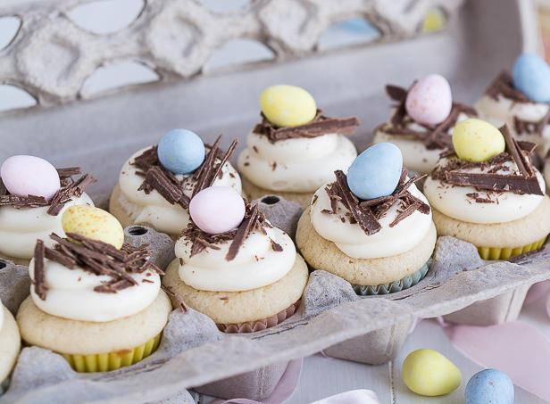 Фото Пасхальные капкейки с белой шоколадной глазурью