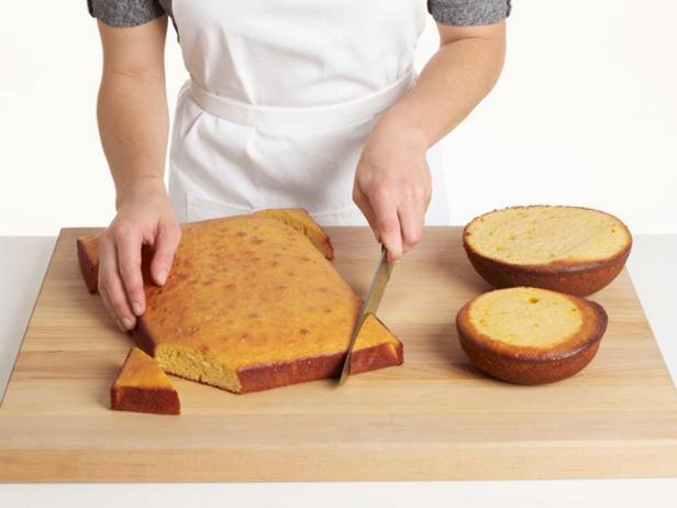 Придайте форму бисквитам