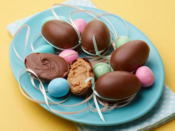 Шоколадные яйца с начинкой из арахисовой пасты