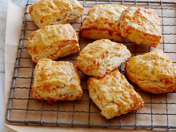 Сырное печенье на простокваше