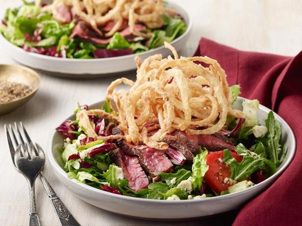 Большой салат со стейком