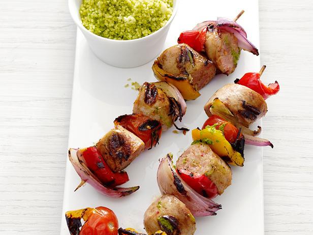 Фото Шашлычки из куриных колбасок и сладкого перца