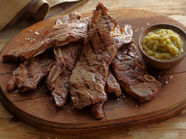 Фото Тира-де-Асадо: говяжьи рёбрышки барбекю
