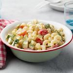 Полезный летний салат с пастой