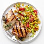 Курица, фаршированная сыром, и салат суккоташ