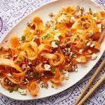 Салат из моркови, фиников и феты
