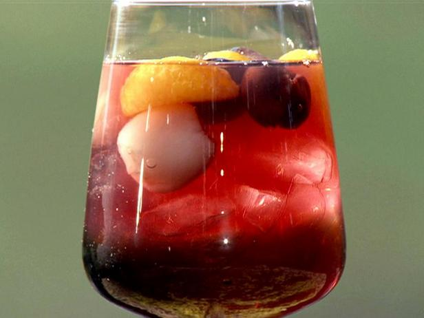 Фото Сангрия на сливовом вине