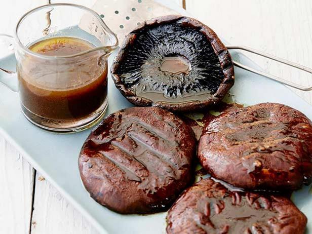 Жареные грибы портобелло с бальзамическим соусом