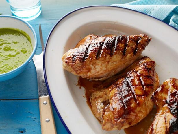Курица в медовой глазури на гриле с мятным соусом с зелёным горошком