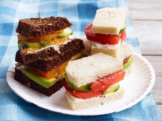 Фото Чайные сэндвичи с помидорами