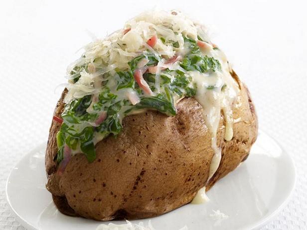 Фото Фаршированный картофель, запечённый в духовке с ветчиной и шпинатом