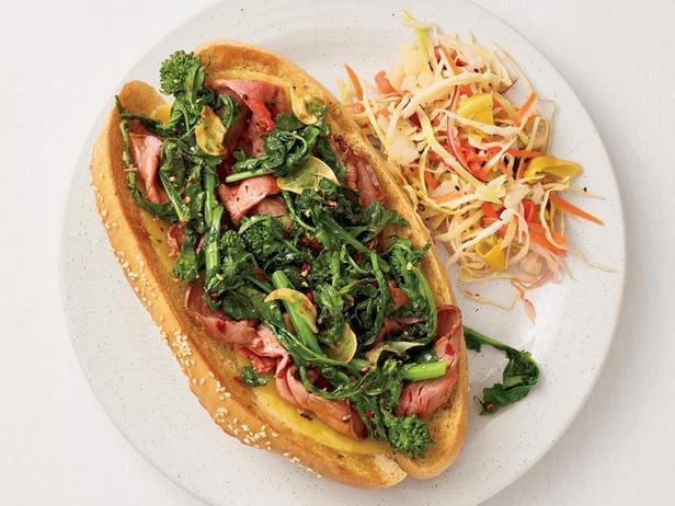 Фото Саб-сэндвичи с ростбифом и рапини