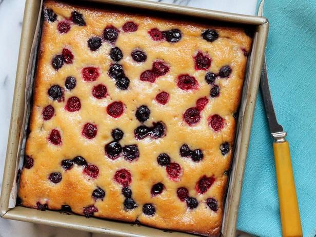 Фото Лимонно-ягодный пирог с мёдом