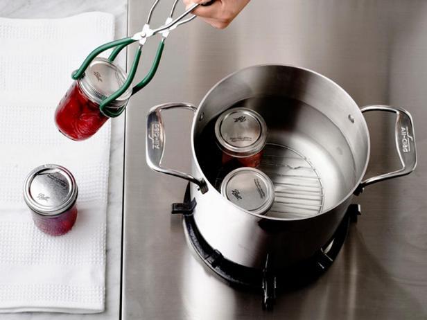 Как делать домашнюю консервацию: варенье, джемы, компоты, овощные консервы и не только