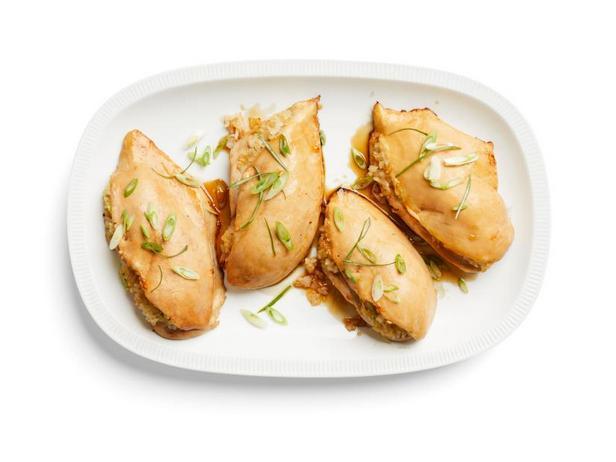 Фото Курица с рисовой начинкой по-азиатски