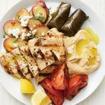 Греческое мезе с индейкой и овощами на гриле