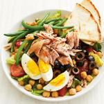 Пряный салат нисуаз по-средиземноморски