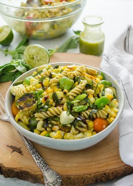 Фото Салат суккоташ с пастой и овощами на гриле