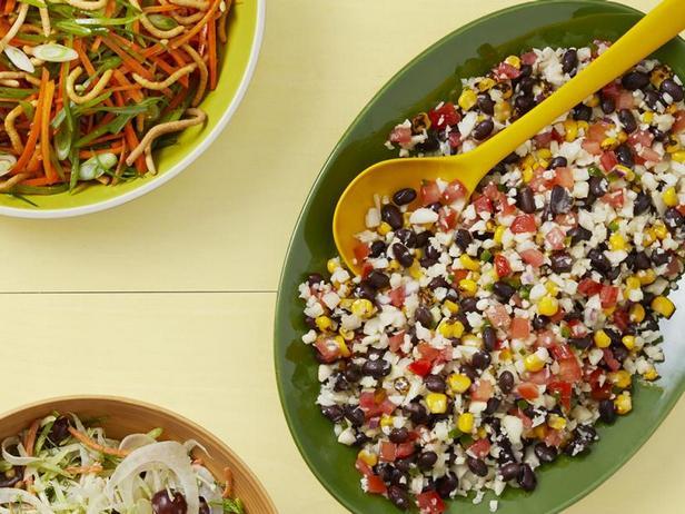 Фото Салат с рисом из цветной капусты в стиле текс-мекс