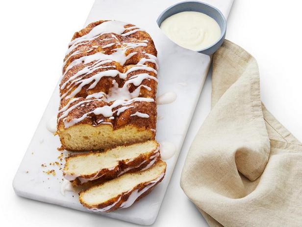 Фото Сладкий хлеб с корицей и глазурью