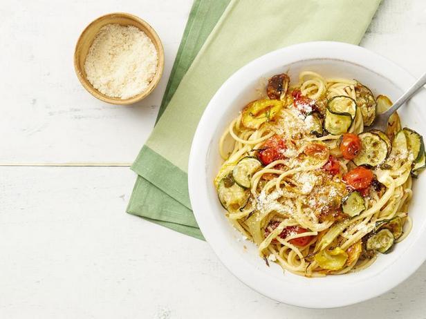 Фото Спагетти с цуккини и помидорами