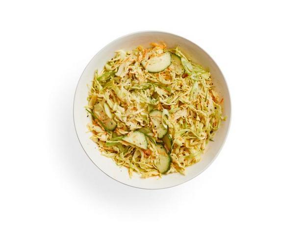 Капустный салат коул-слоу с огурцами