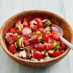 Салат из помидоров с хрустящей панчеттой