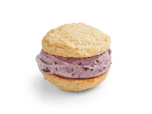 Фото Сэндвичи с малиновым мороженым