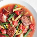 Летний овощной суп с колбасками