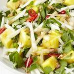 Салат с ананасом и хикамой