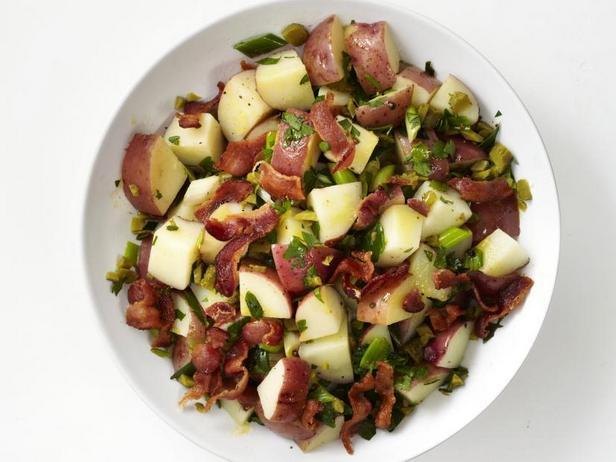 Фото Немецкий картофельный салат с беконом