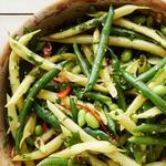 Азиатский салат с бобовыми