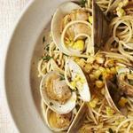 Спагеттини с кукурузой и моллюсками