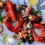 Кламбейк из омаров, картофеля и копчёностей
