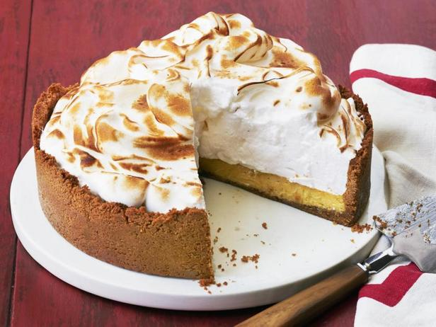 Фото Апельсиново-лаймовый пирог с меренгой