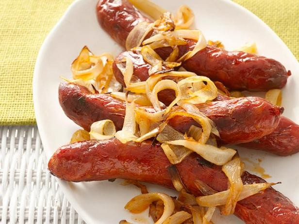 Фото Запечённые колбаски чоризо с луком