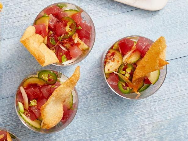 Фото Поке с тунцом и хрустящими чипсами