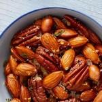 Солёные орешки с тимьяном