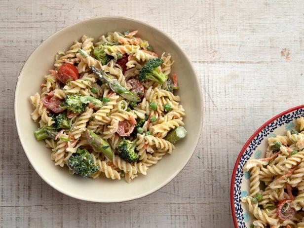 20 рецептов летних салатов с макаронами