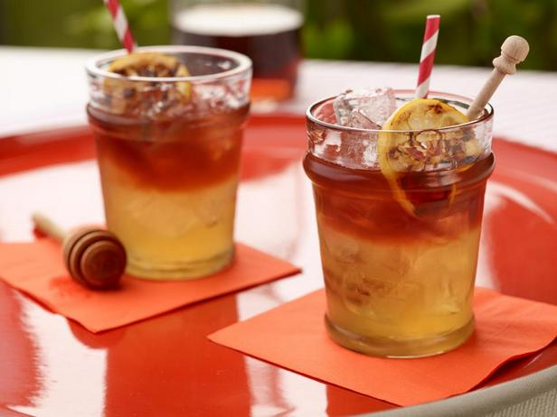 Коктейль «Арнольд Палмер» с печеными лимонами