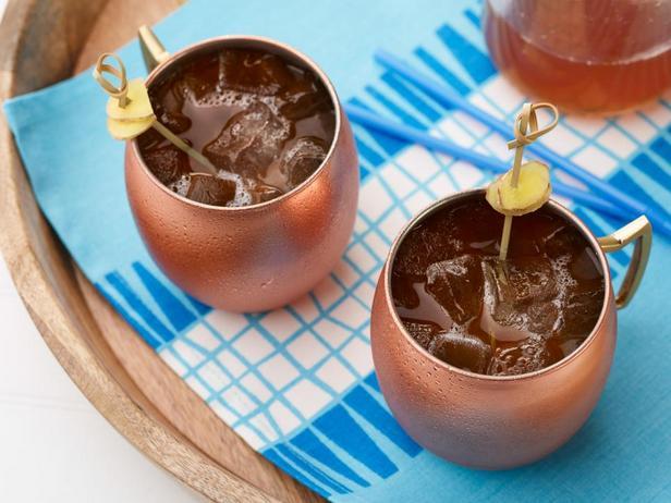 Коктейль «Московский мул» с лимонадом