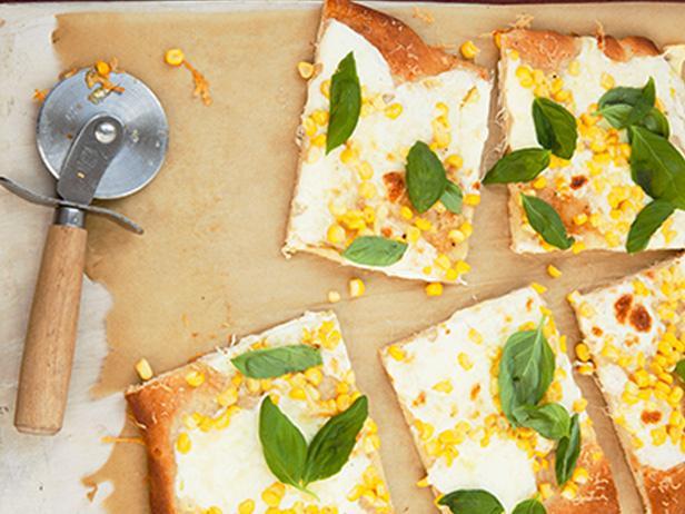 48. Пицца с кукурузой